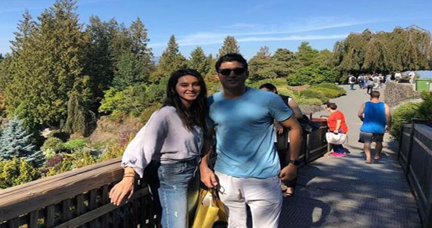 farhan-akhtar-and-shibani-out-on-a-dinner-date-in-mumbai