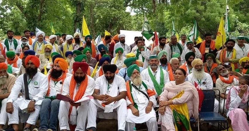 women will take over command in the farmers parliament at jantar mantar today kmbsnt