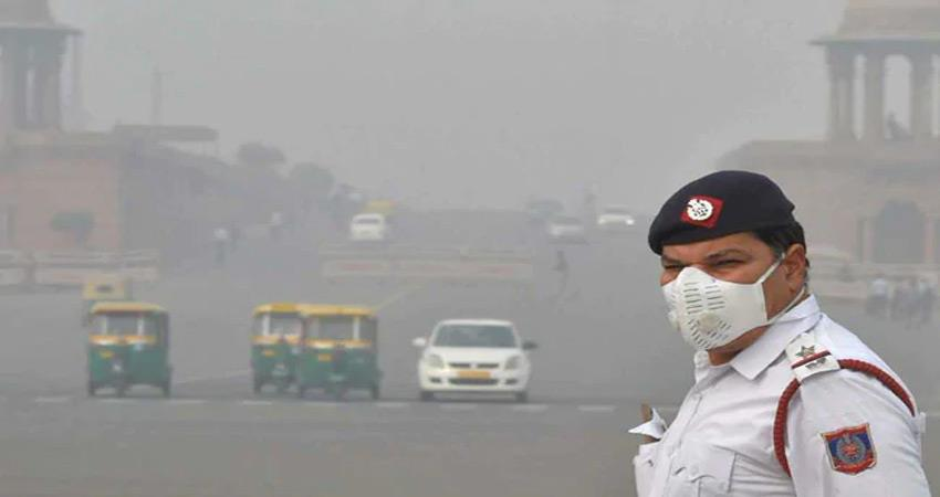 delhi pollution traffic police said masks are not of good quality