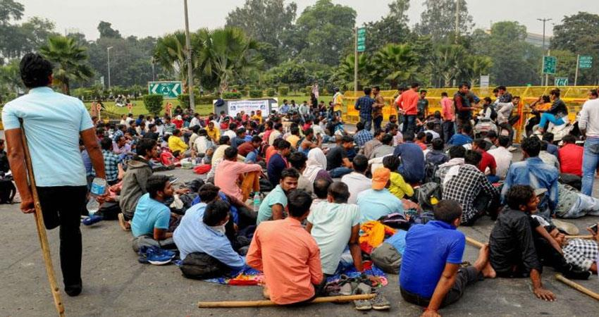 vehicles removed from mandi house differently abled people protest at mandi house