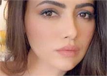 मेकअप करने पर ट्रोल हो गईं सना खान, 5 दिन पहले ही छोड़ी थी इंडस्ट्री