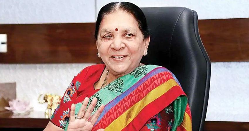 up governor anandiben patel takes over as madhya pradesh governor prshnt
