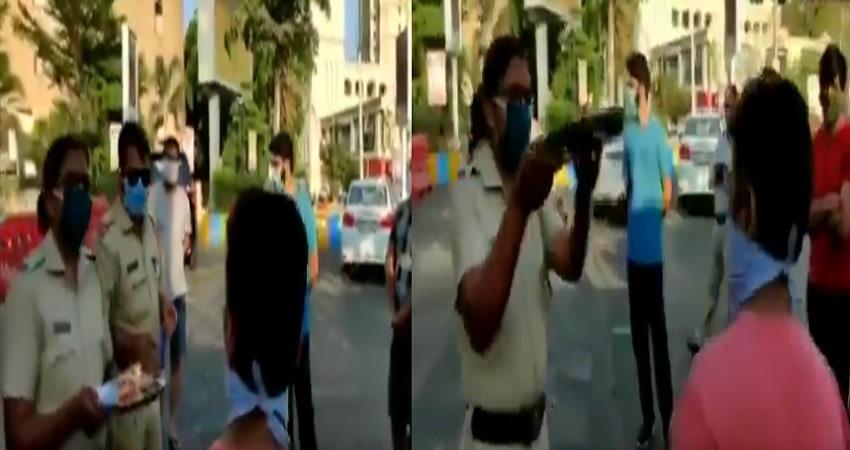 thane police perform aarti of people morning walk lockdown amid maharashtra pragnt