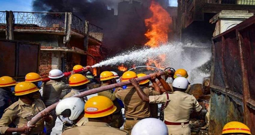fire breaks out in a factory near mtnl office at dilshad garden industrial area kmbsnt