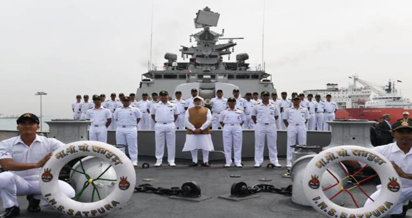 pm narendra modi and m venkaiah naidu praised indian navy day pragnt