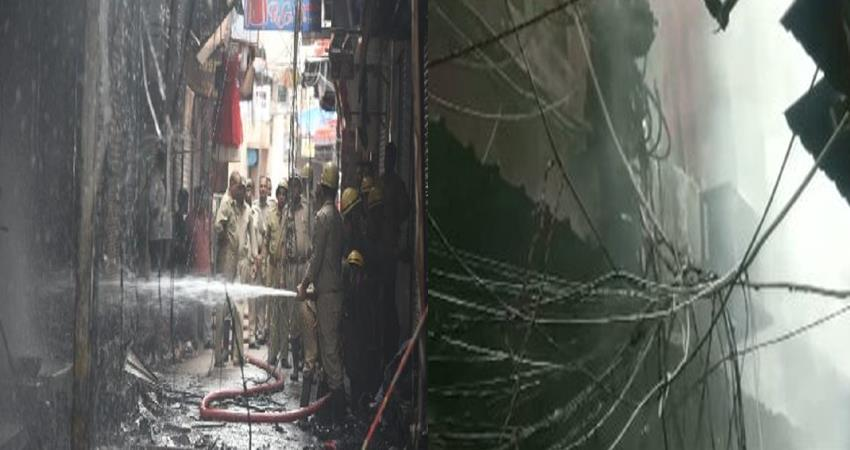 delhi fire breaks out at gandhi nagar market 21 fire tenders at spot