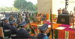 #VijayDiwas पर नेताओं ने दी शहीदों को श्रद्धांजलि, 1971 के युद्ध को किया याद