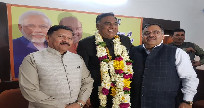 ramvir singh appointed as leader of opposition for delhi assembly