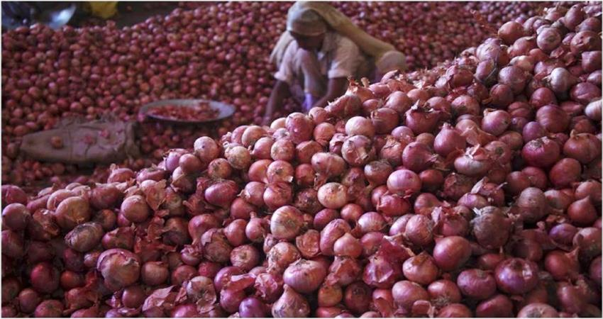government reduced onion stock limit amid rising prices