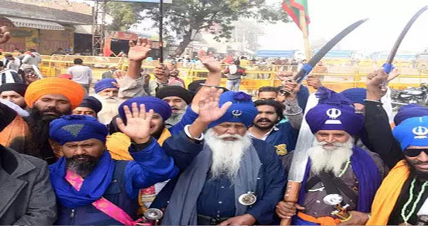 nihang sikhs came with protesting farmers singhu border with team djsgnt