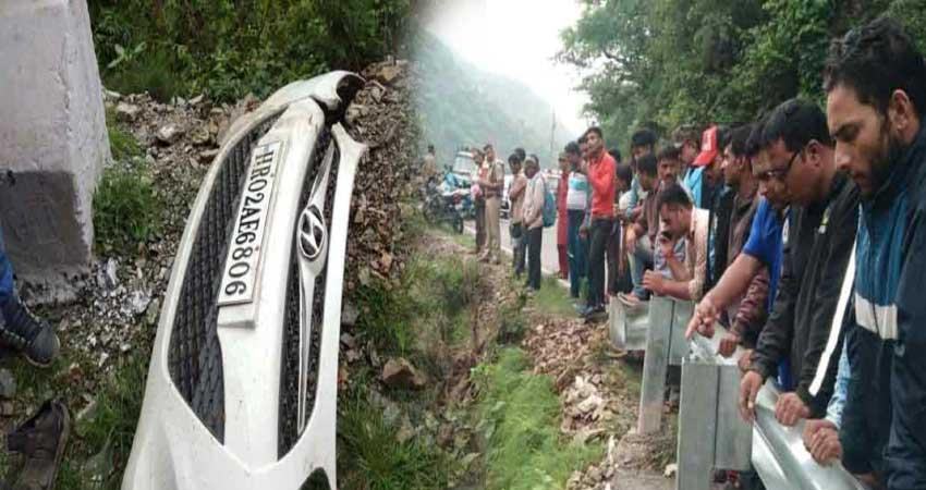 five haryana tourists death  in road accident at vikasnagar