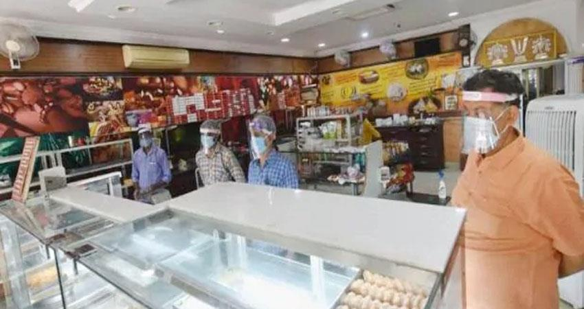 opening shop in ghaziabad customers do not see two days shopkeepers prshnt