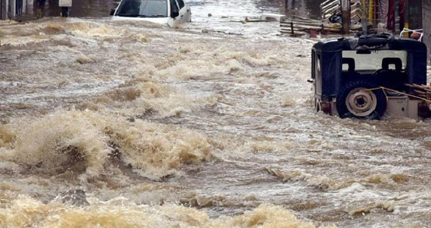 25 dead in Telangana and Andhra due to heavy sohsnt