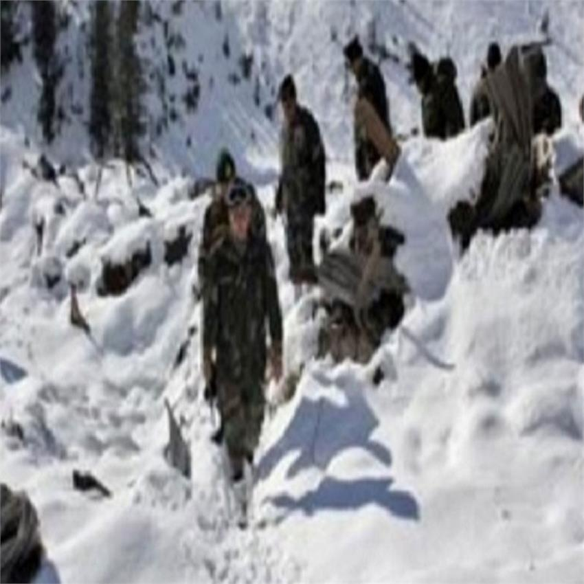 three-army-jawans-go-missing-after-snow-avalanche