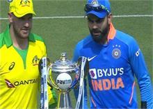 Ind vs Aus 1st ODI: खराब गेंदबाजी और स्टार बल्लेबाजों की नाकामी से पहला वनडे हारा भारत
