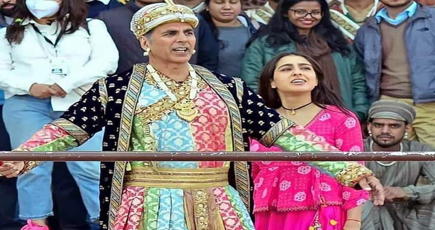 akshay and sara starer film atrangi re shooting at ghatiya market in agra sosnnt
