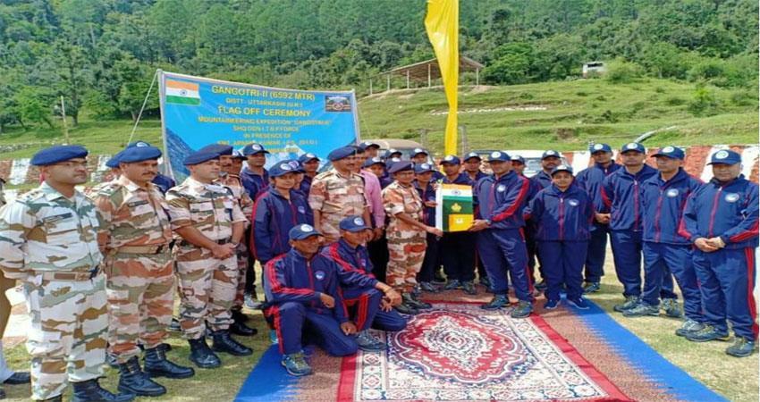 56-member-team-of-itbp-leaves-to-conquer-gangotri-2-peak-musrnt
