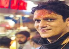 विजय वर्मा अपनी अगली अनटाइटल्ड प्रॉजेक्ट की शूटिंग के दौरान वाराणसी का ले रहे हैं आनंद