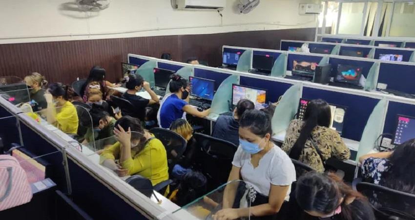Fake international fake call center busted 65 arrested in Delhi KMBSNT