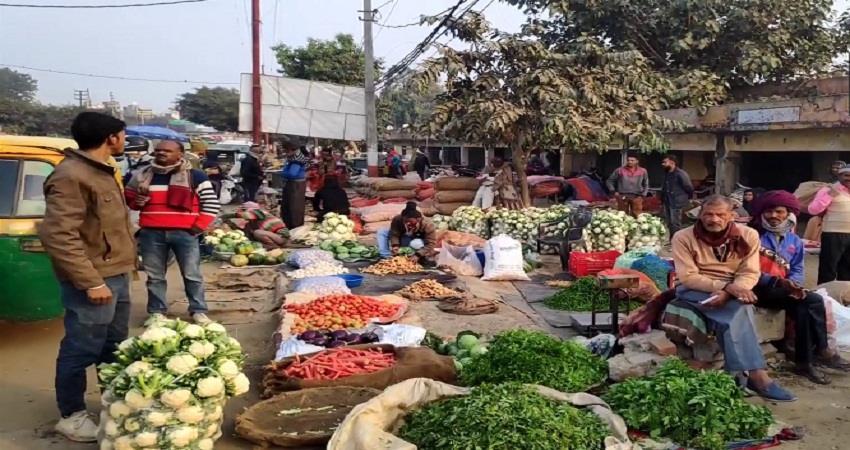 slump in vegetable prices due to farmer protest delhi border kmbsnt