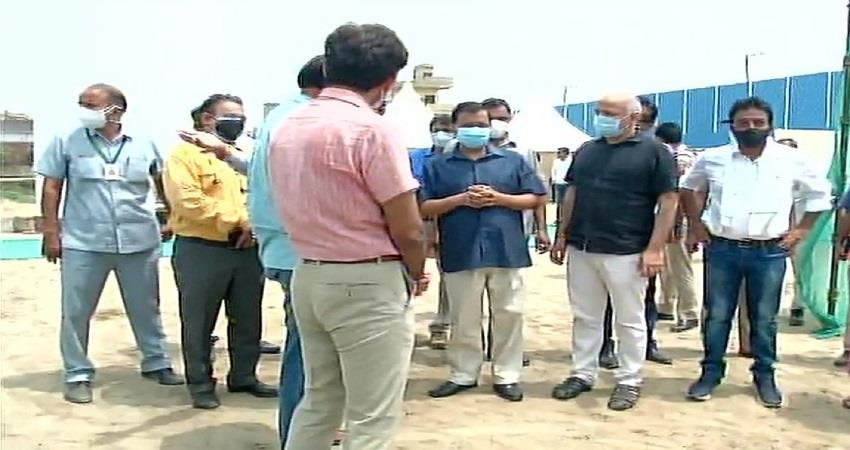 cm arvind kejriwal inspects construction of 57 ton o2 storage tank near siraspur kmbsnt