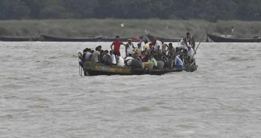 bihar 21 people drowned after boat capsizes in motihari 1 dead body recovered kmbsnt