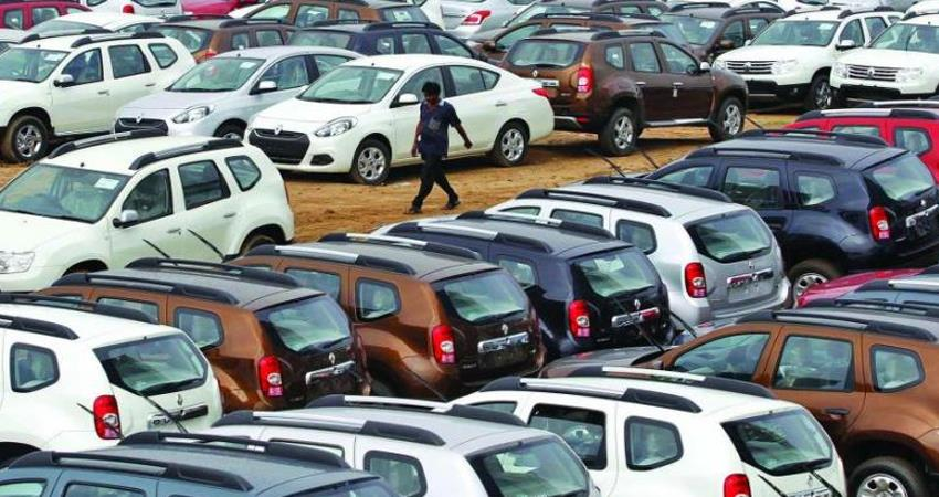 car companies in bad condition due to recession, manufacturing plants are closing