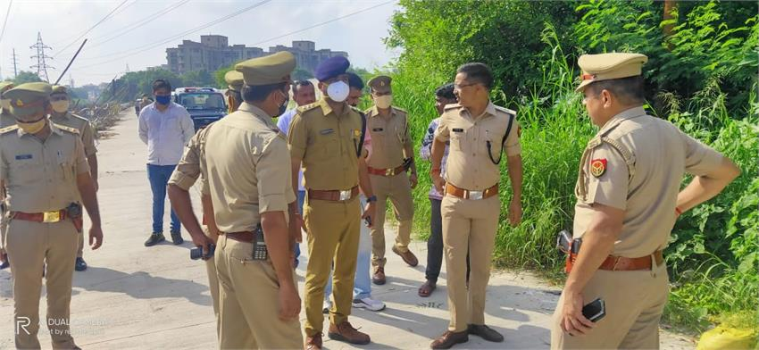 in noida, again in the morning, there was tension between the police and the crooks