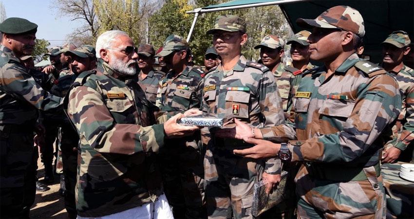 PM Modi will again celebrate Diwali with army Can go to jaisalmer border ALBSNT