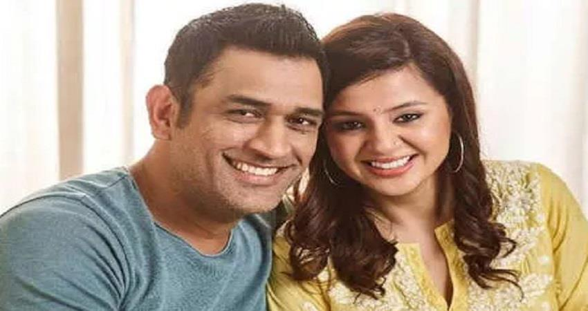 ms dhoni wife sakshi singh slams media houses and trollers over his donation pragnt