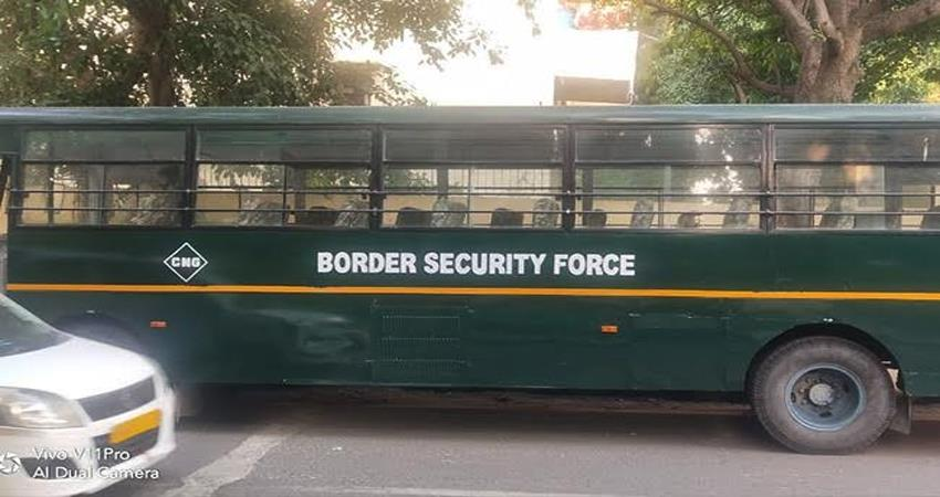 bangladeshi criminals attacked bsf one soldier injured