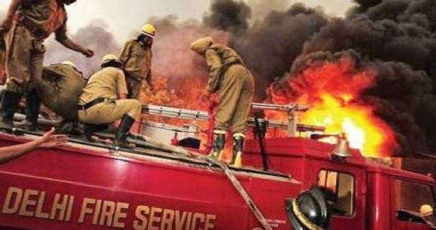fire breaks out at an under construction building near pragati maidan,