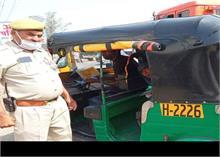 हापुड़- गाजियाबाद रूट पर ट्रैफिक पुलिस पर वसूली कर डग्गामार वाहन चलवाने का आरोप