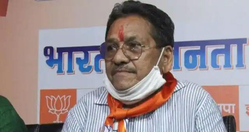 shivraj singh chauhan  minister said those who get old,they have to die anjnst