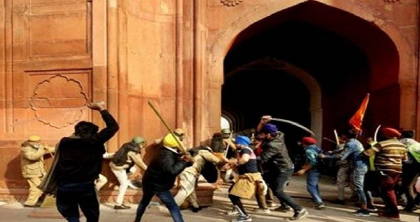 red fort violence january 26 sword wielding man was arrested by delhi police kmbsnt