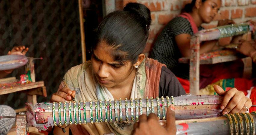 uttar pradesh firozabad bangles lost shine amid corona virus covid 19 business