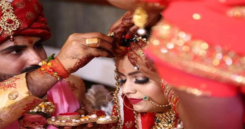 when the wife refused to wear sindoor and bangle the matter reached the court albsnt