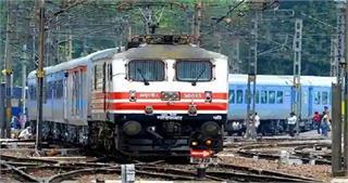 रेलवे ने निकाली भर्तियां, बिना एग्जाम दिए मिलेगी नौकरी, ऐसे करें अप्लाई