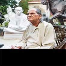 मिलिए, #StatueOfUnity को डिजाइन करने वाले पद्म भूषण मूर्तिकार राम सुतार से