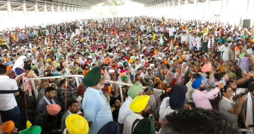 Karnal Farmers protest continues mobile internet SMS services banned till 12 pm PRSHNT
