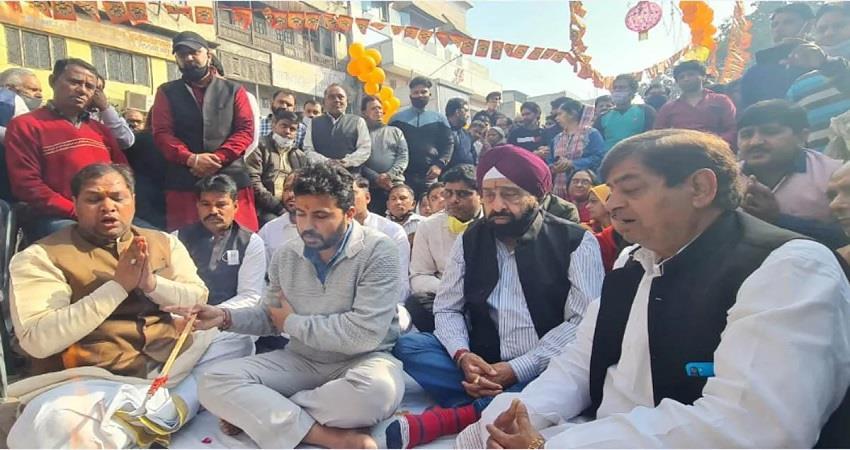 chandni chowk hanuman mandir aap leaders worshiped kmbsnt