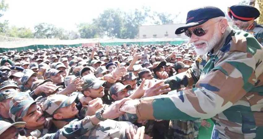 pm-narendra-modi-while-talking-to-the-soldiers-said-pok-s-tightness-is-in-my-heart