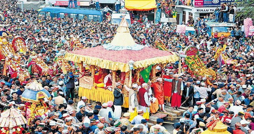 Kullu Dussehra 2019 Beginning of Dussehra festival with Raghunath ji''s grand Rath Yatra