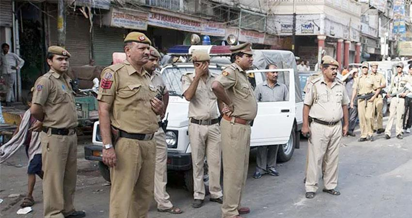 Delhi DCP crackdown on policemen for not coming to duty of Bakrid 36 suspended prshnt