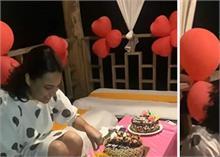 बर्थडे केक काटते-काटते अचानक रो पड़ीं Swara Bhaker, वीडियो हुआ वायरल