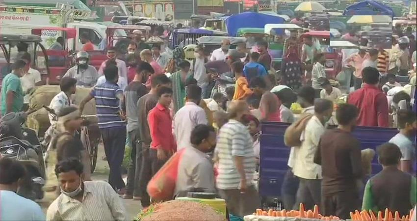 covid rules violation in ghazipur vegetable market kmbsnt