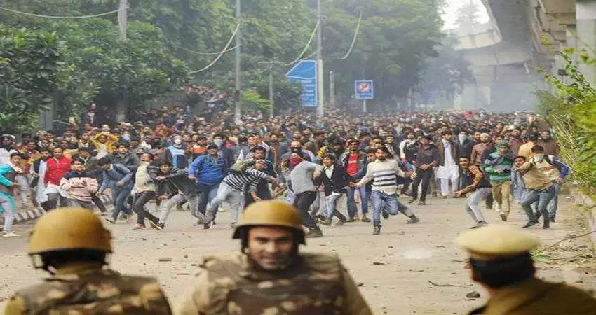 delhi police arrested 17 accused in jamia violence case no students chargesheeted