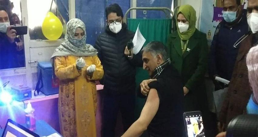 kashmir''''s wayan became the first village in 100% vaccination  musrnt