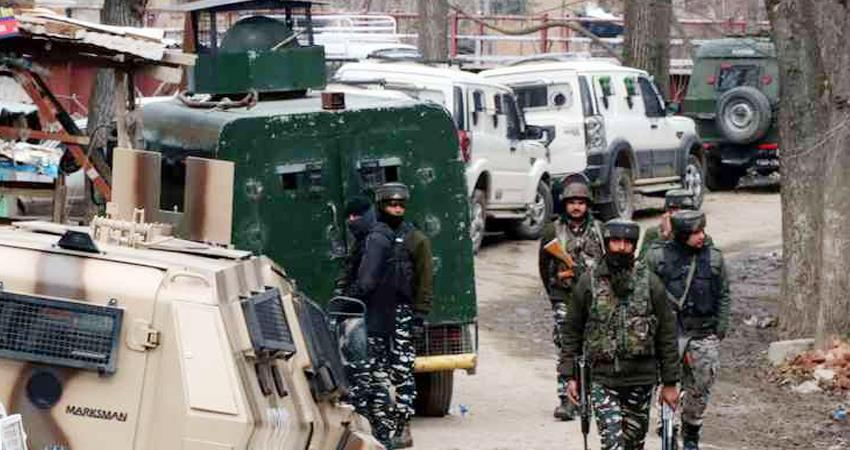 terrorist attack in sopore two police personnel martyred and one civilian killed prshnt