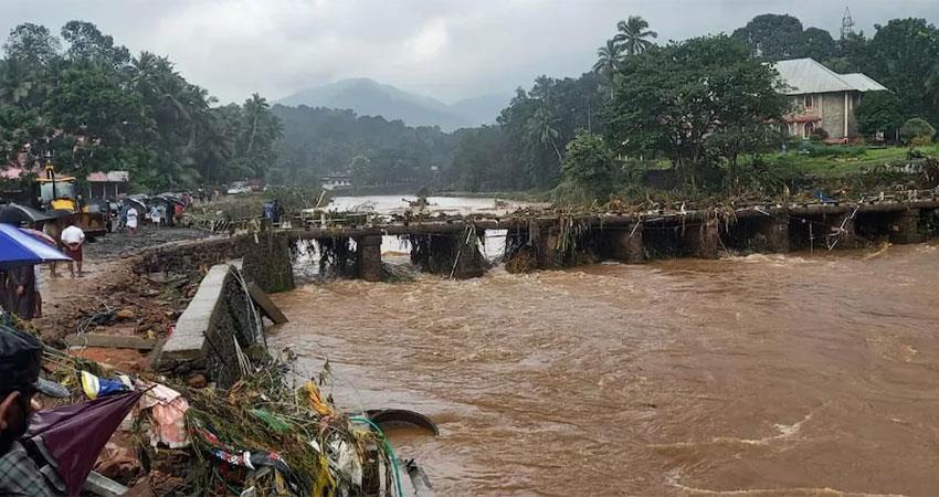 rain caused huge devastation in kerala 18 people died and the center assured of help albsnt